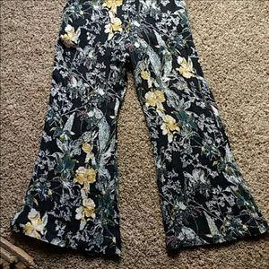 Free People Pants - HP! 🏆 Free People Twisted Halter Floral Jumpsuit