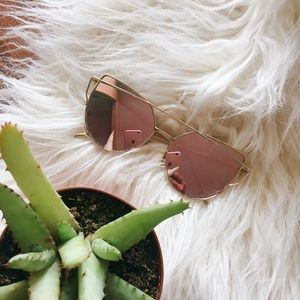 Accessories - Rose Mirrored Sunglasses