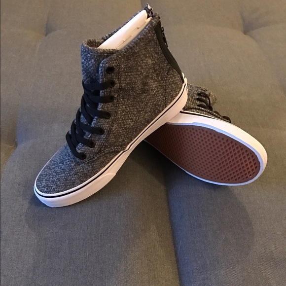 926d684081 Vans women s size 7 sk8-hi zip tweed Camden shoes.  M 58ca1ddc8f0fc471d901a98d