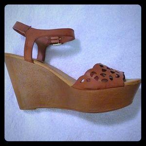 Lightweight Tan Color Women Wedge Sandals
