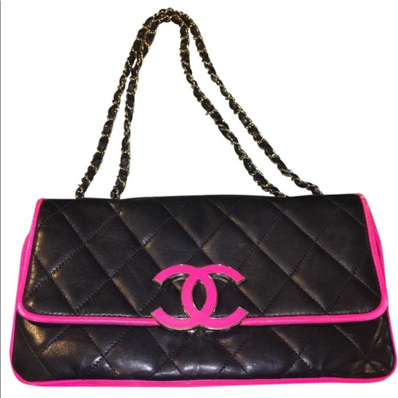 b15636dbab5 CHANEL Handbags - Authentic Chanel clutch - black w hot pink piping