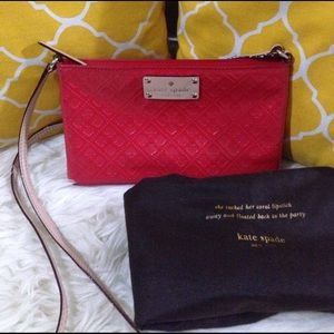 kate spade Handbags - 🌸OFFERS?🌸Kate Spade Patent Leather Crossbody