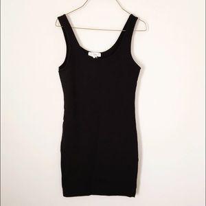 Forever 21 Dresses & Skirts - BASIC BLACK DRESS