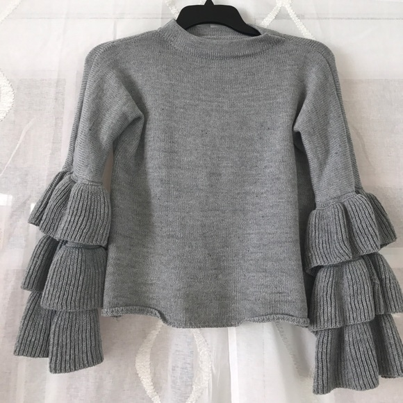 goodnight macaroon Sweaters - Ruffled Cropped Sweater Grey Size XS
