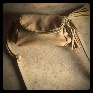 Tan cross body purse!