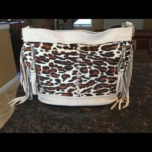 B MAKOWSKY Handbags - 🐾 AUTHENTIC B MAKOWSKY BAG🐾