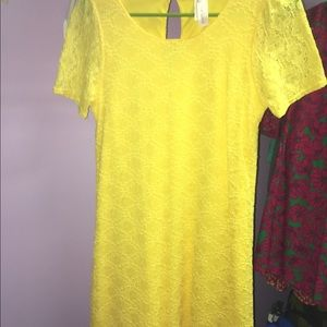 Dresses & Skirts - Yellow boutique dress