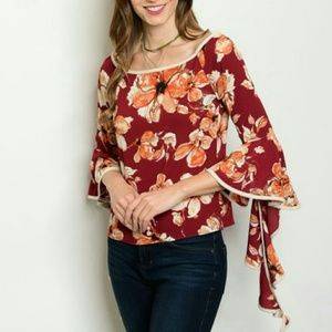Tops - Floral top with flared ruffled sleeves