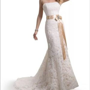 Maggie Sotterro Karena Royals Wedding Dress Size 2