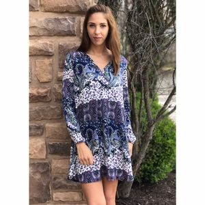 Threads & Trends Dresses & Skirts - Printed Shift Dress