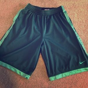 Nike Other - ⛹🏽Men's Large Nike Baskeball Shorts, EUC!