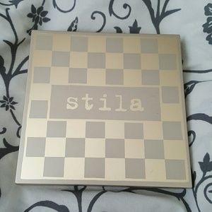 Stila Other - 💥 2 Hour Sale 💥 Stila eye shadow pallette