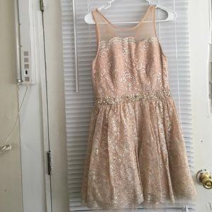 City Studio Dresses & Skirts - Beautiful dress 👗any reasonable offers welcome