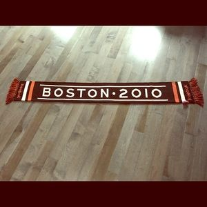 Other - 2010 Bruins winter scarf
