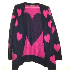 Classic Woman Sweaters - Heart printed Cardigan. Vintage