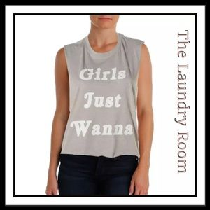"The Laundry Room Tops - THE LAUNDRY ROOM ""Girls just Wanna"" sports top o/s"