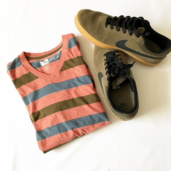 Urban Outfitters Other - Men's Urban Outfitters BDG Slim-Fit V-Neck