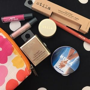 Stila Other - 🎀Stila Makeup Bundle .!!🎀