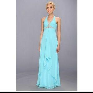 Faviana Dresses & Skirts - 🎹WHITE FAVINIA formal💲Offers welcome💲
