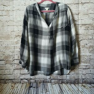 Plaid flannel plus size Tunic black and white