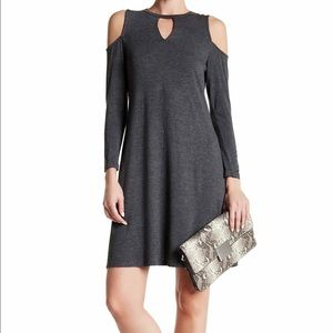 bobeau Dresses & Skirts - Bobeau Cold Shoulder Dress
