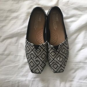 TOMS Shoes - Geo Prints TOMS