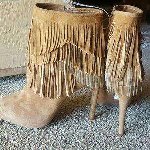 NWT Women's Jessica Simpson heeled boots