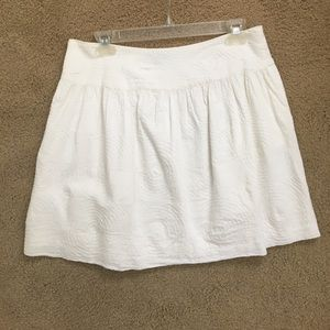 GAP Dresses & Skirts - White embossed skirt w/pockets
