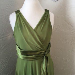 Evan Picone Dresses & Skirts - Evan piccone Green v neck dress