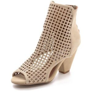 Jeffrey Campbell Shoes - Jeffrey Campbell nude Retain booties