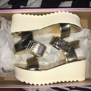 Soda Shoes - Flatform gold metallic platform sandals NWT