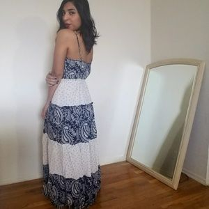 Esley Dresses & Skirts - 🆕ESLEY NAVY CREAM PRINT DRESS
