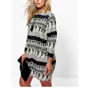 Boohoo Plus Dresses & Skirts - Plus Laurie Mono Paisley Long Sleeve Shift Dress