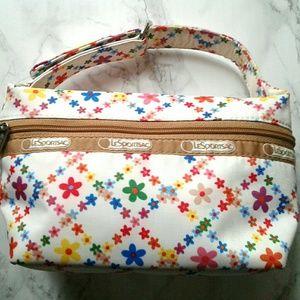 LeSportsac Handbags - Floral LeSportsac bag