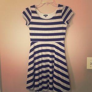 Zunie Dresses & Skirts - Casual short sleeve striped dress