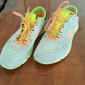 Nike Free TR Fit 4 - 8.5 US