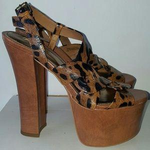 Wild Pair Shoes - Leopard Print Platform Heel Sz. 8.5