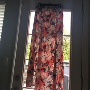 Peach Love California  Dresses & Skirts - Partially lined skirt with 2 front slits