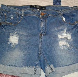 C'est Ca New York Pants - Boyfriend distressed JEAN shorts never worn SZ 2x
