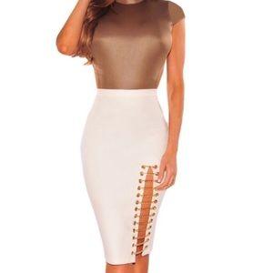 White midi skirt with chain