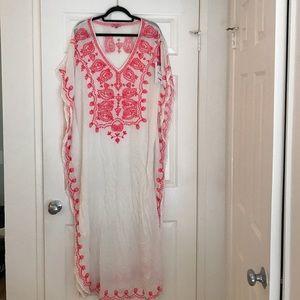WHITE AND NEON PINK MAXI KAFTAN DRESS SIZE S/M