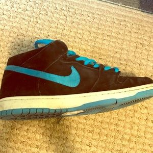 Nike Other - Nike SB mid dunks black and orion blue