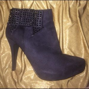 Prima Donna Shoes - Black bootie with sparkly bow, size 8