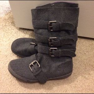 Blowfish Shoes - Felt buckle grey boots