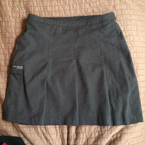 wykwintny styl wyprzedaż w sklepie wyprzedażowym nowy design Doc Martens Red Lined Mini Skirt