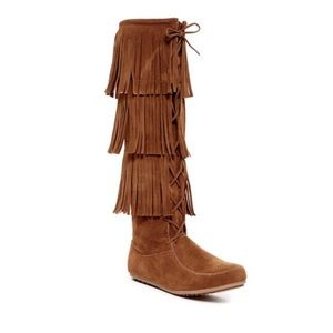 Boutique Shoes - Fringe Lace Layered Moccasin Boots