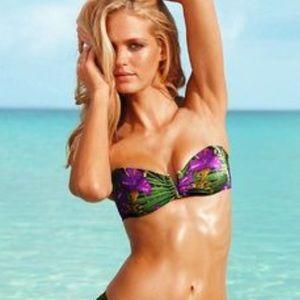 Pilyq Other - PilyQ Sunbeam bandeau w/a V shaped slit bikini top