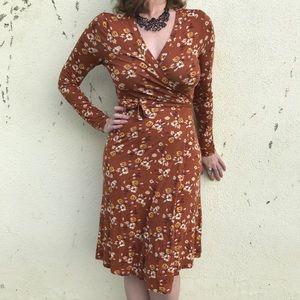 garnet hill Dresses & Skirts - Floral WRAP DRESS Orange brown midi GARNET HILL S