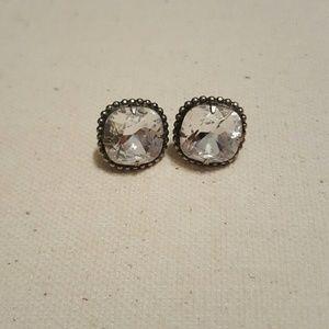 Sorrelli Jewelry - Sorrelli antique silver studs in clear.