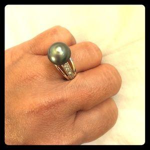 Jewelry - Rhodium black south sea pearl size 8 (SOLD)